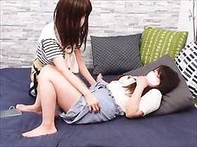 【個人撮影】ぺニバン使ってレズSEXする娘2人の投稿映像が相当エロい!大きな喘ぎ声で感じまくる娘