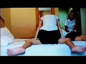 【個人撮影】制服娘が3人‥騎乗位でセックスしている娘や寝そべってる娘が映っている詳細不明のガチ映像がこれ
