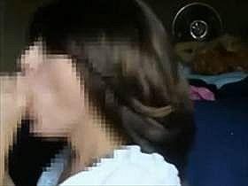 【個人撮影】外国人の母と息子の本物の近親相姦映像らしい・・・息子のアソコを咥える母親の姿がリアル