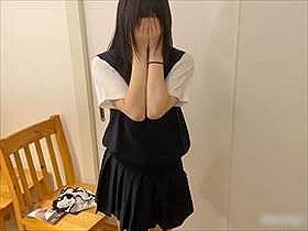 【無修正・個人撮影】制服コスの彼女に手コキさせながらオナニーさせてる素人カップルの投稿映像がエロすぎた