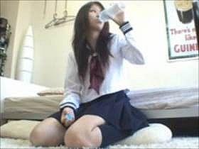 【神動画】ハッキリ言って水飲んでるだけでも可愛い制服女子高生をナンパしてSEXしまくる様子を盗撮した映像w