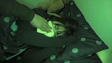 【素人】ストーキングして自宅特定。忍び込み遠隔カメラを設置。深夜睡●中に夜●いで生中出し!※観覧注意