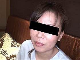 【素人・本編無修正】46歳で看護師の仕事を20年してる人妻熟女が仕事着のままセックスしてる動画がエロい