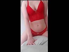 【素人盗撮】彼氏が隠撮!派手な下着で枕に擦り付けオナニーしてる彼女の姿を隠しカメラで撮影した投稿映像
