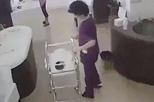 【衝撃】マジでひでぇ 最悪の看護師が発見されてしまう・・・