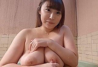 【無修正 素人】 Kカップ爆乳にぽっちゃり肉厚ボディな素人娘の生膣に堪らず中出し暴発
