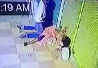 【閲覧注意】世界に衝撃が走る!ホームレス女性の死体とセ○クスする男が撮影される