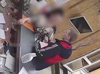 【衝撃映像】 これは酷すぎるだろwww ロシア人のセ○クスの誘いを断った結果・・・・・