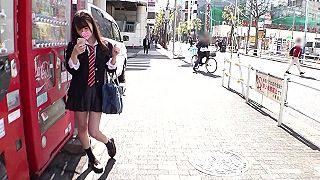 【エロ動画 素人 高画質】  オッパイ・・エロッ!!!!!!!! 学校帰りの妹系制服美少女をナンパしてハメ撮り