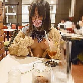 【無修正 素人 4K高画質】 様々な場所で露出行為をさせられる制服メガネ女子www