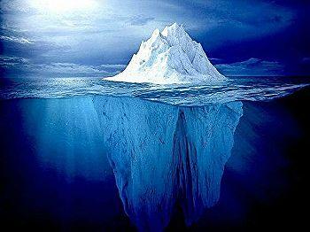 【超恐怖】氷山が裏返ったらバケモノが現れた…北極探検隊が撮影した動画が世界中で話題に