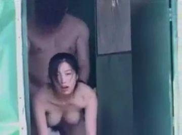 【無修正 素人】 すげーオッパイ!!!! 水上で暮らす貧困層のカップルハメ撮り