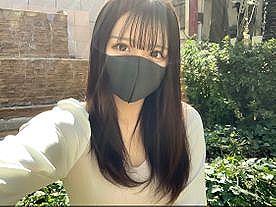 【エロ動画 素人】 逆ナンパしてゲットしたタイガーマスクに中出しをおねだりしてしまう美少女がこちら