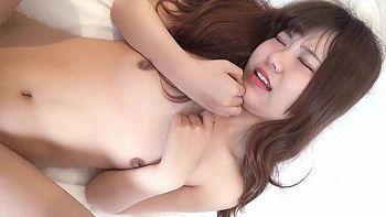 【無修正 素人】 マ〇コがきれいな美少女と中出しセックス