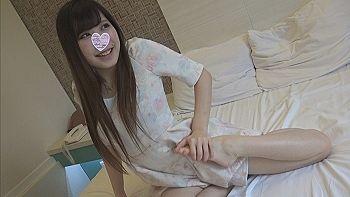 【エロ動画 素人】 丸見えパイパン軟体スレンダー美少女に生ハメ大量中出し