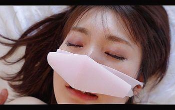 【エロ動画 素人】 外資系化粧品販売員のロリ美形美人がS○X中に泣き出してしまうwww
