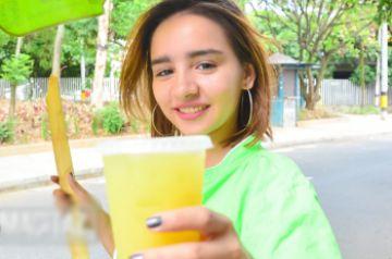 【無修正 素人】 10代で童顔のコロンビア美少女を街でナンパしてハメるwwwww