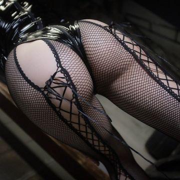 性の経験値が高そうな、セクシーな網ストッキング 画像70枚