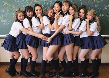 バーレスク東京のJK制服や水着やお風呂ビキニグラビアの卑猥なエロ画像