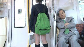 【画像】女子高生の膝裏がエチエチすぎて草wwwww
