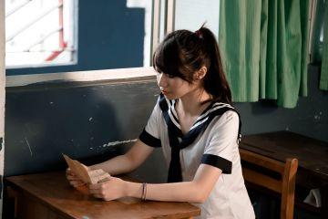 【動画】教室で巨乳JKがお●ぱい揉まれてる・・・