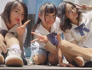 【個人撮影】仲良し10代少女3人、悪ノリで生配信したおっぱい動画が流出!