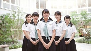 【悲 報】お嬢 様学校の女子生徒が性教育で泣き出してしまうwwwww