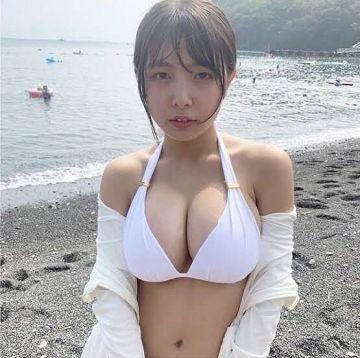 【GIF】16歳の巨乳女子高生のハリしかない乳揺れwwwww