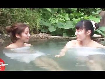 【画像】美人JDさん、温泉で自撮りをするも乳首がモロに写ってしまうwwww