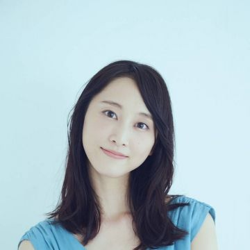 【画像】松井玲奈さん(29)、まだデカ尻だったwwwwwww