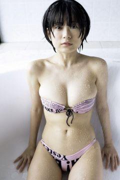 【画像】元グラドル主婦まんさん(38歳)の熟れた豊満欲しがりボディwwwww