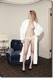 ジョニー・デップの元妻で女優のアンバー・ハードのオッパイヌード画像www