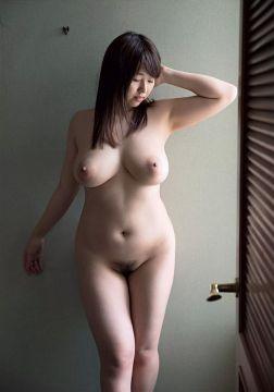 【画像】松本菜奈美とかいう乳と演技力だけでのし上がったブサAV女優