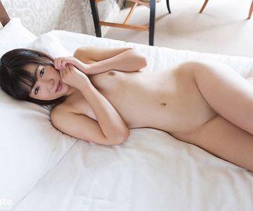 Kaho 瞳キラキラの色白な彼女はH中は恥ずかしくて相手の顔が見れないという恥じらい少女