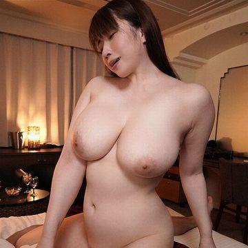 ゆきちとせ 29歳 むっちり爆乳巨尻の豊満美女