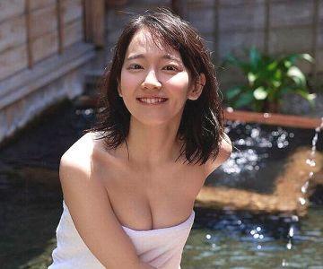 【画像】吉岡里帆ちゃんの、バスタオル一枚グラビアがエッチすぎるwwwww
