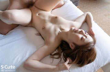 斎藤みなみ 真っ白な美尻のスレンダー美女エロ画像