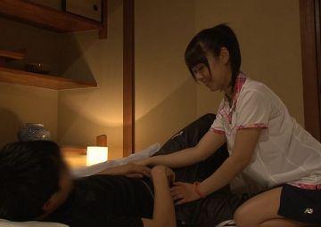 恋する先輩が勇気を出して合宿中に彼女が寝てるすぐ横でこっそり夜這い!