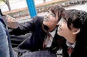 マジックミラー号 恥ずかしくって騒ぎながらも大人チ○ポを見て、嬉しくなっちゃう修学旅行生たち。
