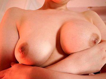 夏目響 巨乳美少女がポルチオ開発されて大きな亀頭で子宮口ほじくり性交
