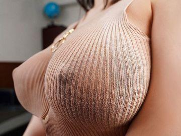 鷲尾めい おっぱいのデカさがはっきり判るニットワンピお姉さんと着衣セックス