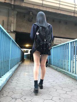 【悲報】女子高生、ほとんどがリュック派になる