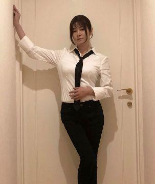 【画像】真木よう子(35)さん、豊満なGカップコスプレを披露しオタクに媚び始める