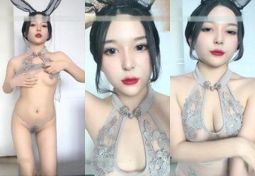 ‹無・個撮›バニーちゃんコスした超絶美人の中国人お姉さんが色白スレンダー美乳晒してエロダンス!