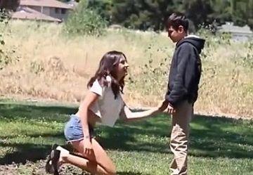 ‹無・洋物›「僕のちんちん舐めて!」1○歳の少年Youtuberがお姉さんにフェラチオをねだるドッキリ映像w