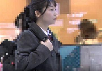 ‹電車チカン›センター試験直後の制服娘を個室トイレに連れ込み中出し!