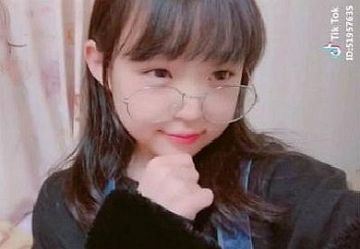 "【TikTok】美少女JSユーチューバー""ひなたちゃん""ロリ可愛すぎて尊いw"