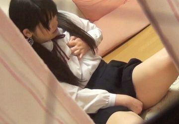 ‹盗撮›イキ方が激しい!制服着たまま部屋でオナニーするJK妹がガクガク痙攣アクメするところを隠し撮り!