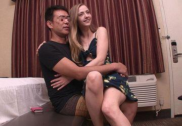 ‹無・洋物›長身スレンダーのセレブ妻カーラさんがJAPチンポに跨り中出し浮気セックスw