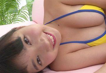‹無毛›JCジュニアアイドル『黒宮れい』が成長期ムチムチボディ見せつけるエロカワIV!